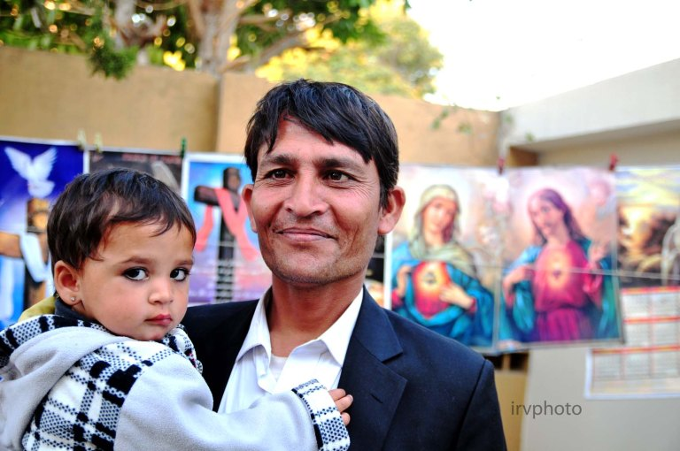 fotos cristianos%fatima church and school 064